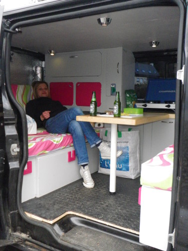 am nagement renault trafic fish l 39 affiche. Black Bedroom Furniture Sets. Home Design Ideas