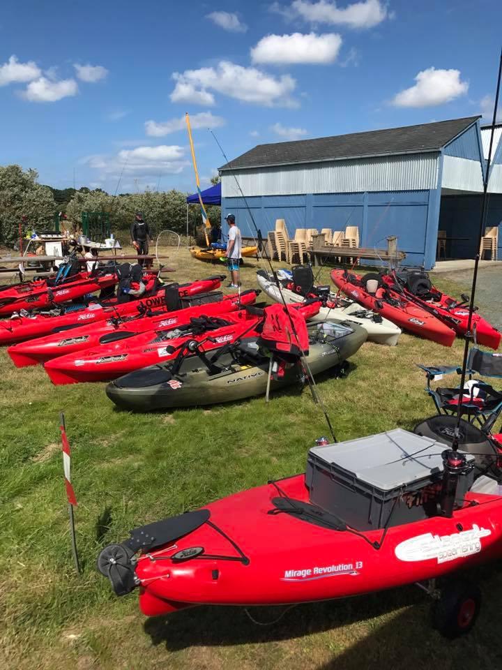 kayaks_camping2
